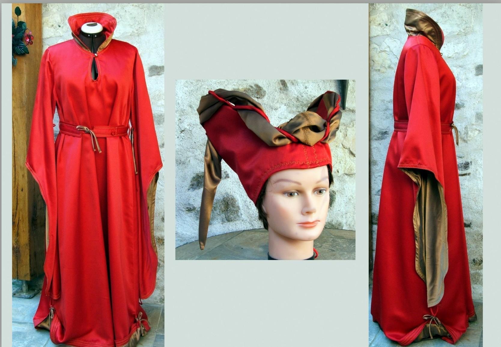 Robe médiévale et son escoffion